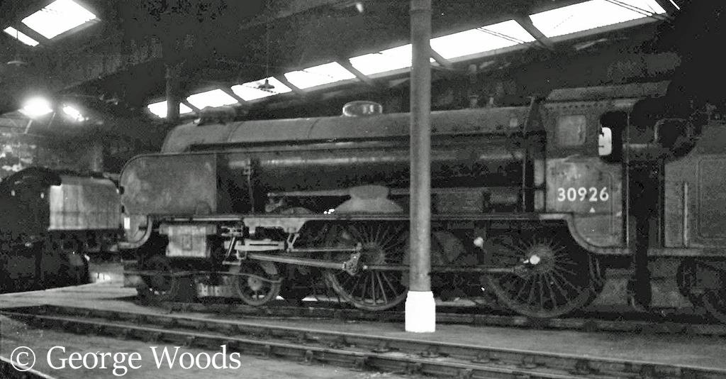 30926 Repton in Fratton roundhouse - September 1963.jpg