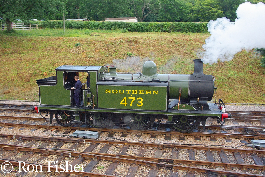 32473 at Horsted Keynes on the Bluebell railway - August 2007.jpg