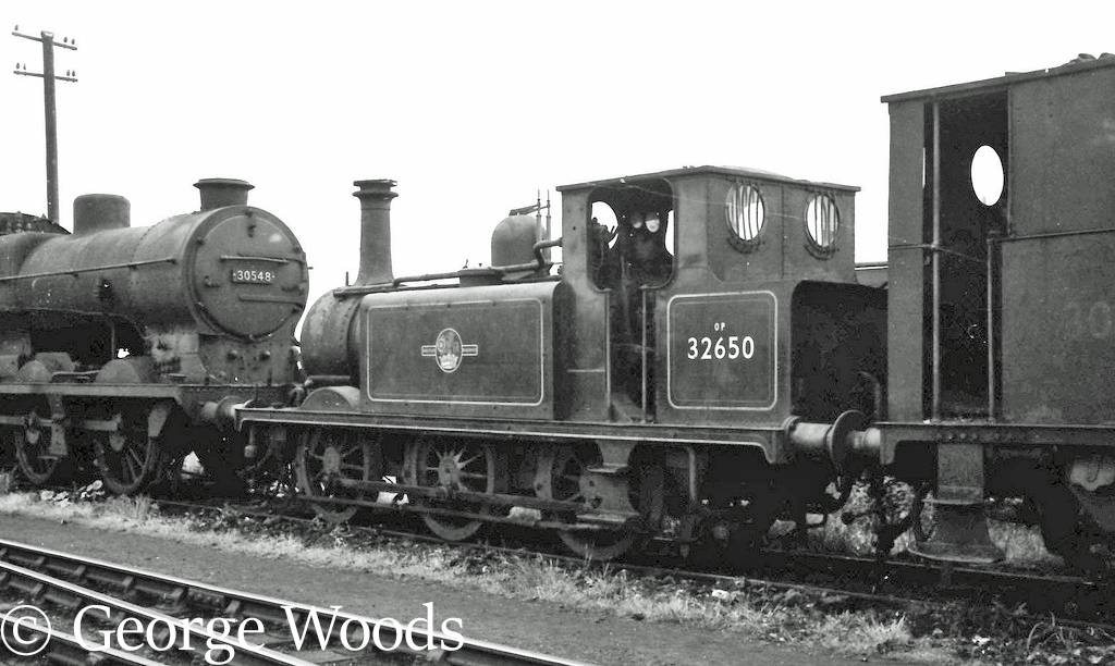 32650 ar Eastleigh - June 1964.jpg