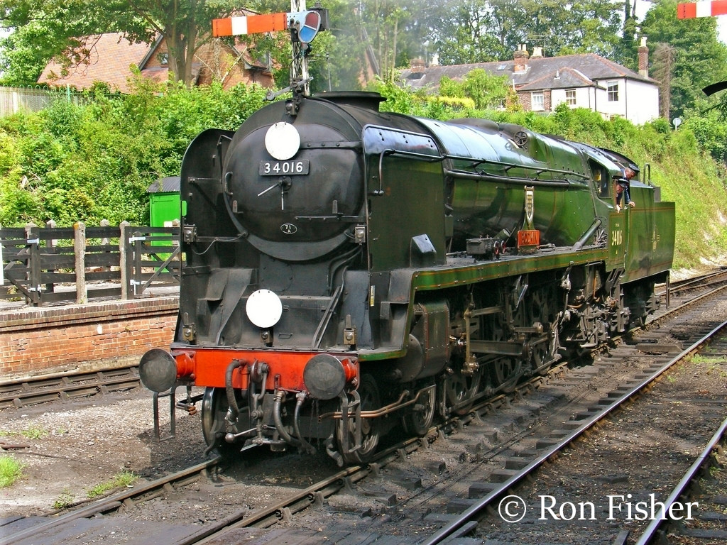 34016 Bodmin at Alresford on the Mid Hants Railway - July 2006.jpg