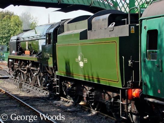 34016 Bodmin at Arlesford on the Mid Hants Railway - September 2006.jpg