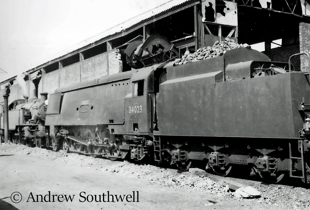 34023 Blackmore Vale at Eastleigh - May 1966.jpg