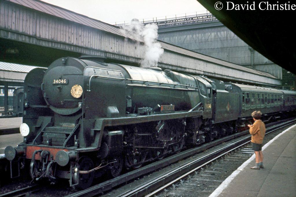 34046 Braunton at Waterloo - June 1963.jpg