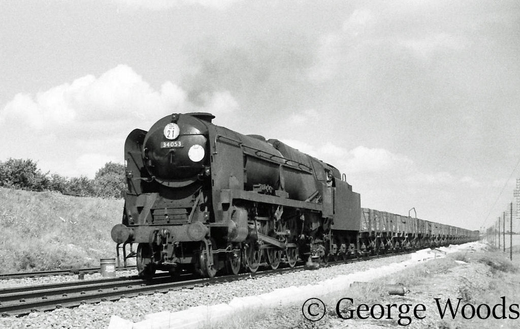 34053 Sir Keith Park at Worting - August 1965.jpg