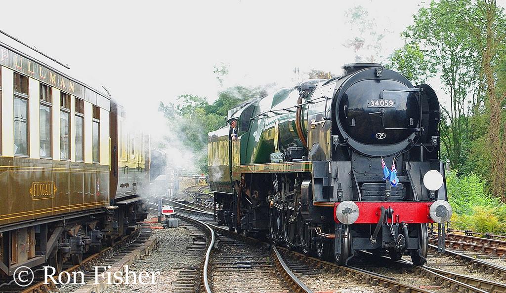 34059 Sir Archibald Sinclair at Sheffield Park on the Bluebell Railway - August 2007.jpg