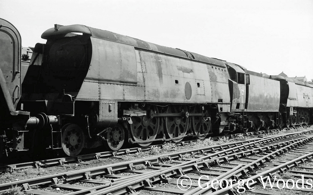 34072 257 Squadron in Woodham's scrapyard at Barry .jpg