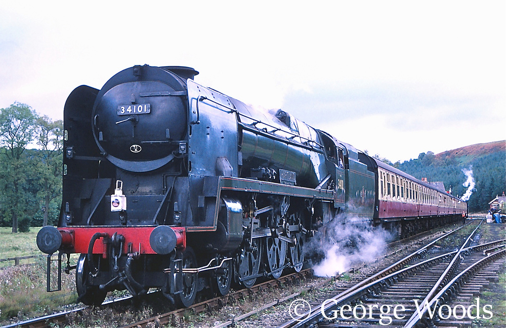 34101 Hartland on the North Yorkshire Moors Railway - October 1997.jpg