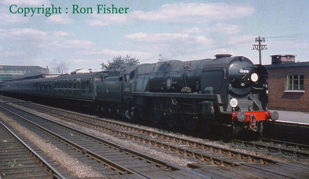 35010 Blue Star at Eastleigh - August 1959.jpg