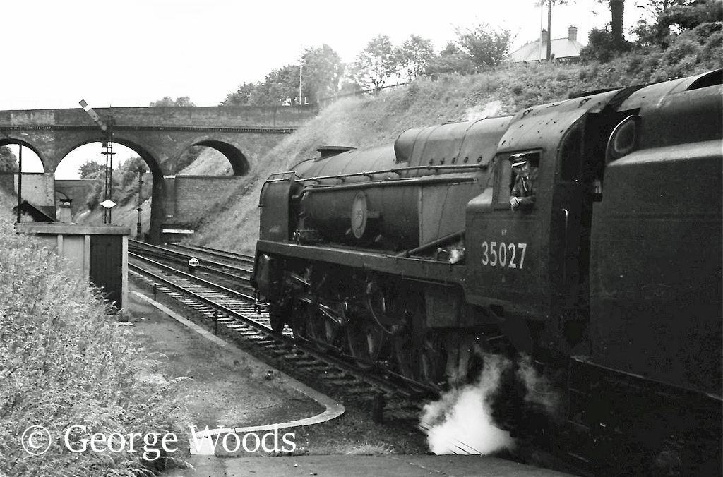 35027 Port Line at Winchester - June 1964.jpg