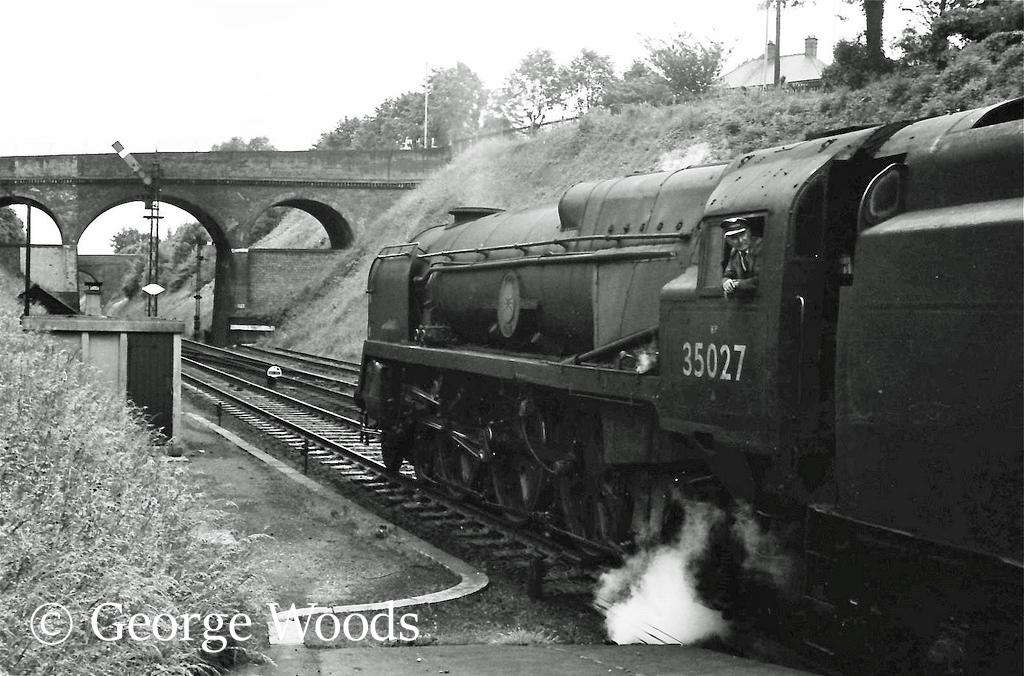 35027 Port Line at Winchester - June 1964.jpg