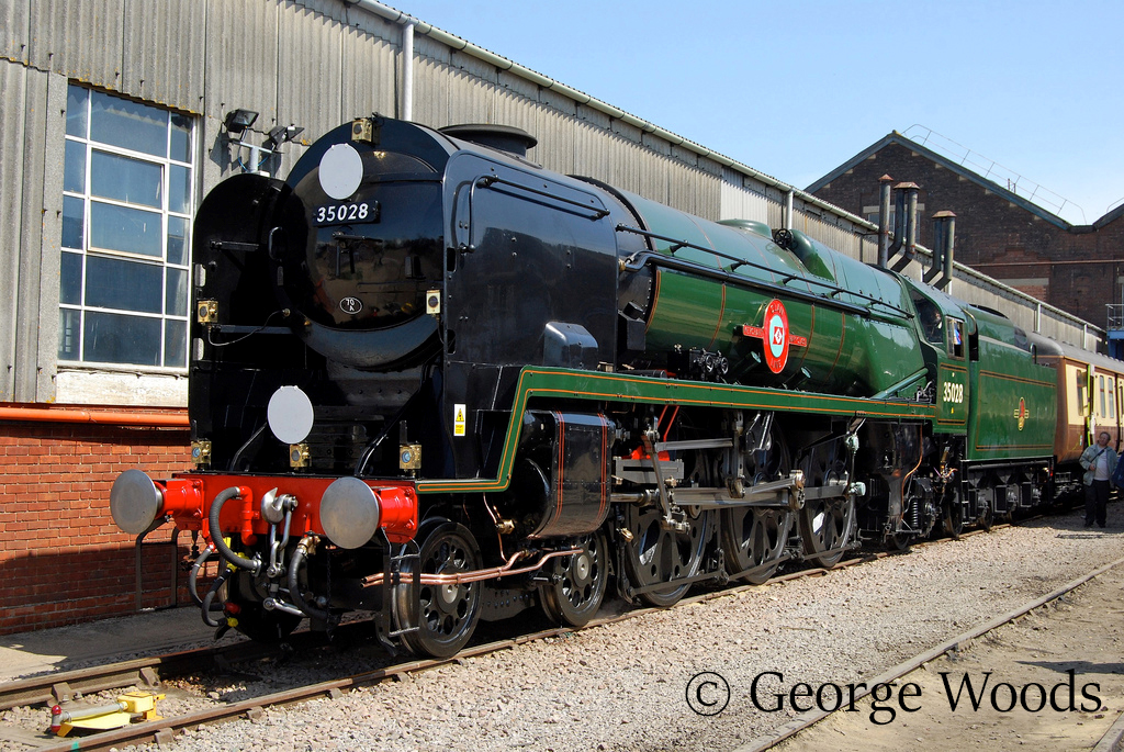 35028 Clan Line at Easleigh Works Open Day - May 2009.jpg