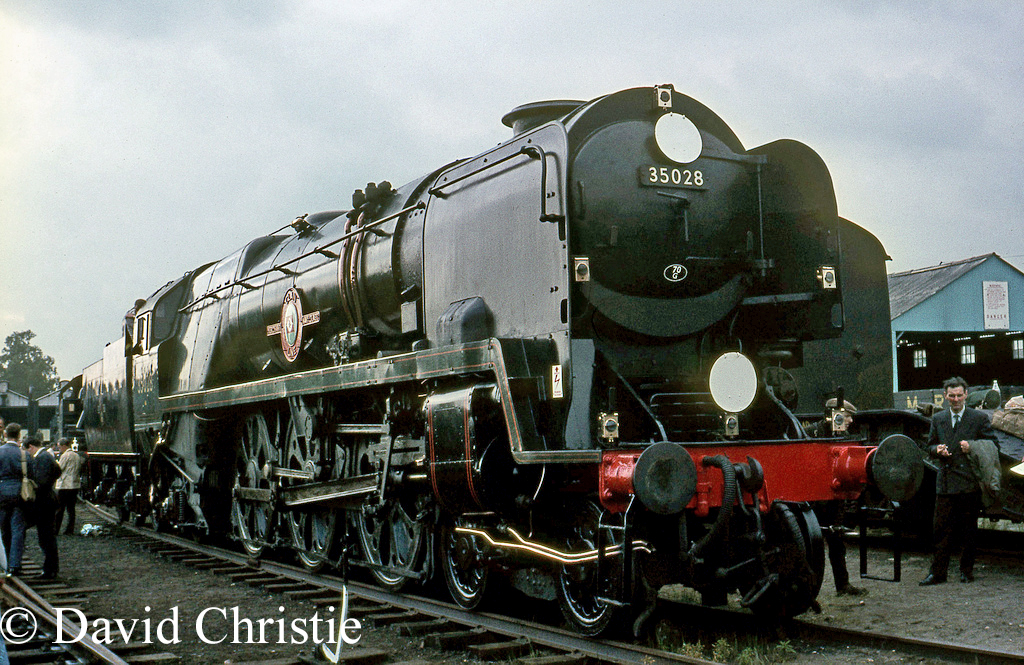 35028 Clan Line at the Longmoor Military Railway - June 1968.jpg