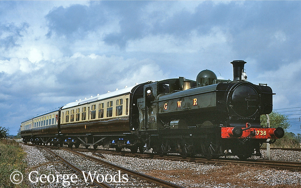 3738 at Didcot - September 1977.jpg