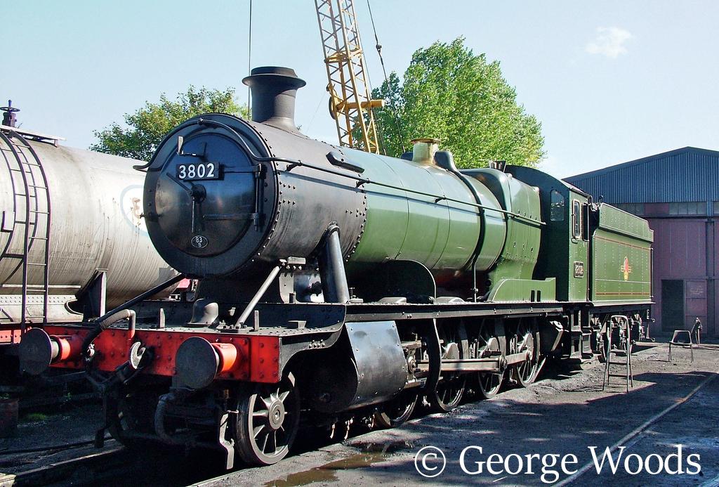 3802 at Llangollen - September 2006.jpg