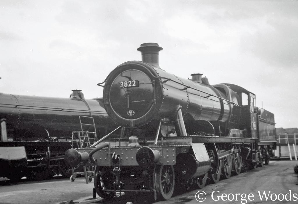 3822 at Swindon - 1962.jpg