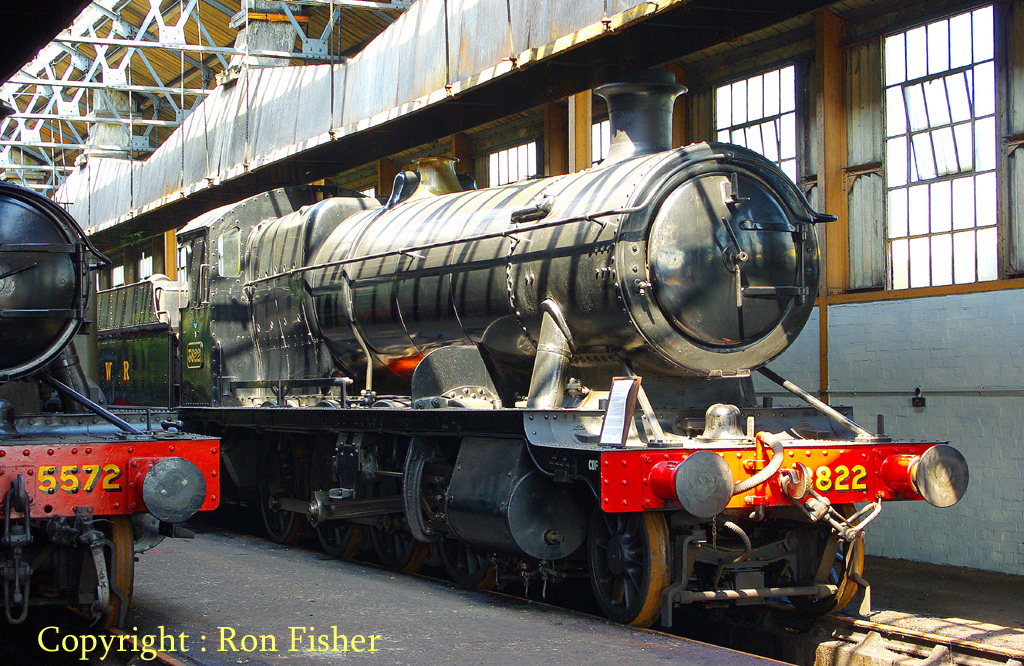 3822 at the Didcot Railway Centre - April 2011.jpg