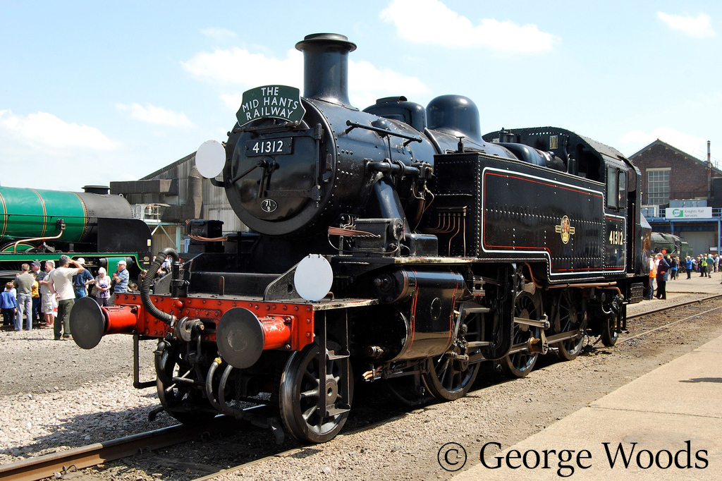41312 at Eastleigh Works Open Day - May 2009.jpg