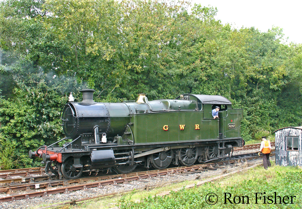 4247 at Bodmin Parkway on the Bodmin & Wenford Railway - September 2006.jpg