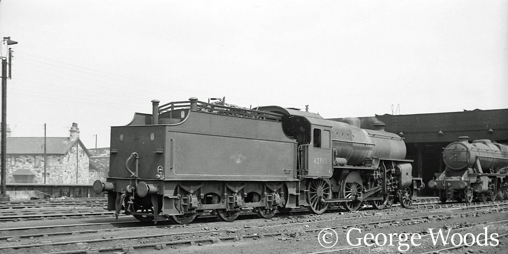 42765 on Mold Junction shed - June 1964.jpg
