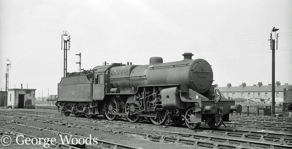 42765 on Mold Junction shed - June 1964.jpgaa.jpg