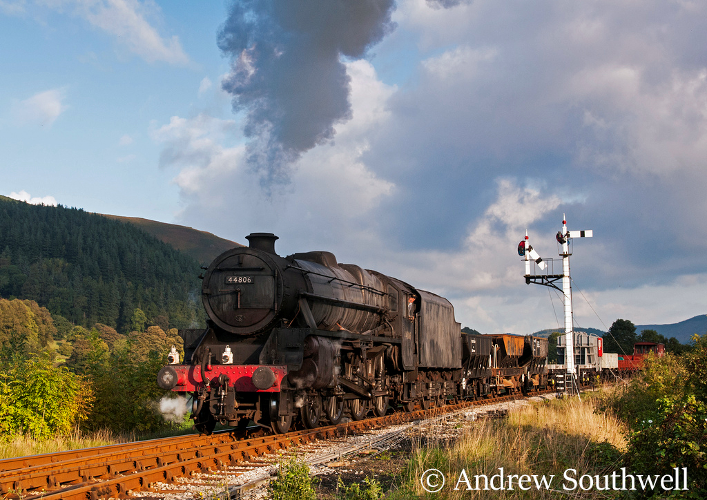 44806 on a photo charter on the Llangollen Railway - October 2013.jpg