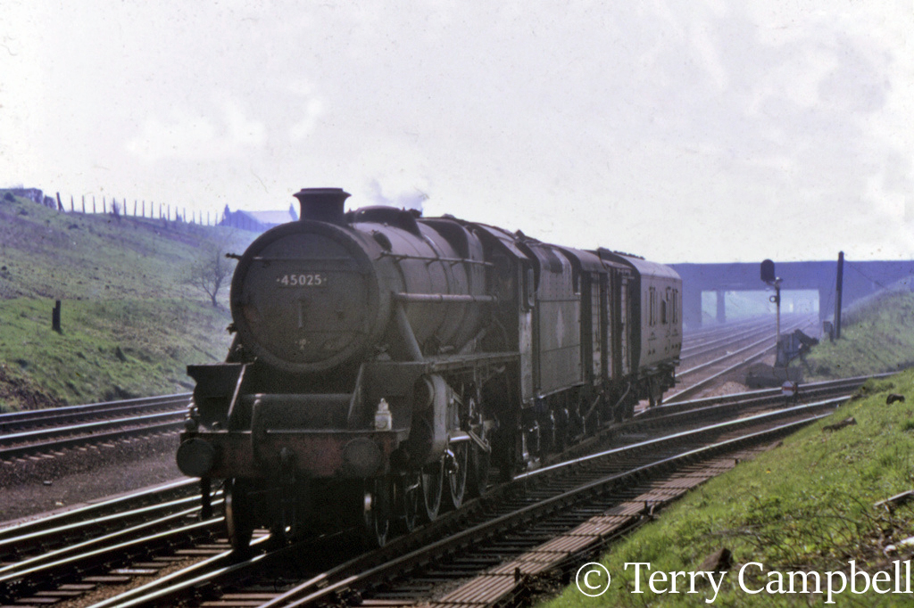 45025 at Farrington Curve Junction near Preston - April 1968.jpg