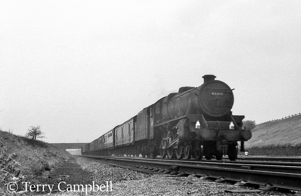 45212 at Farrington Junction near Preston - May 1967.jpg
