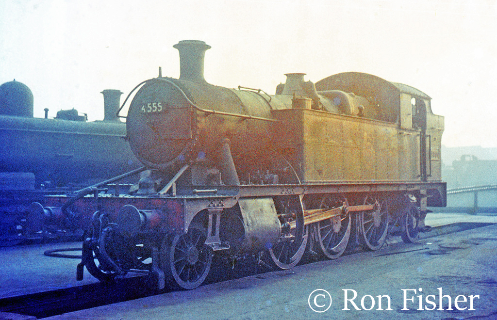 This image has an empty alt attribute; its file name is 4555-at-Swindon-1963.jpg