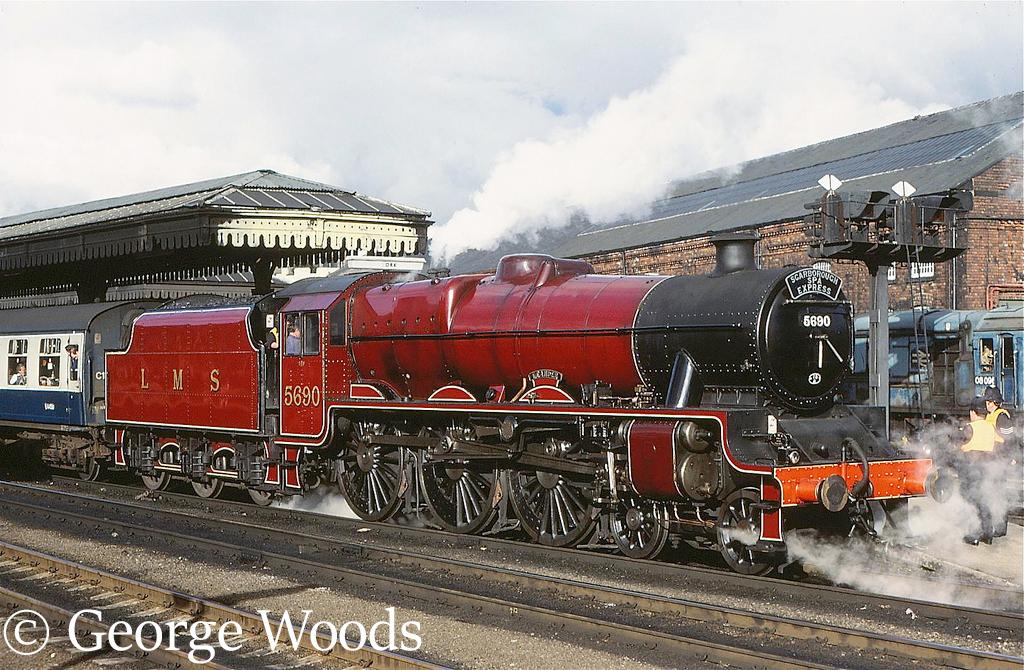 45690 Leander at York - August 1983.jpg