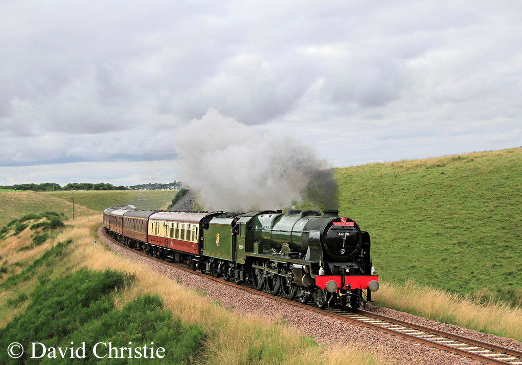 46100 Royal Scot at Falahill - April 2016.jpg