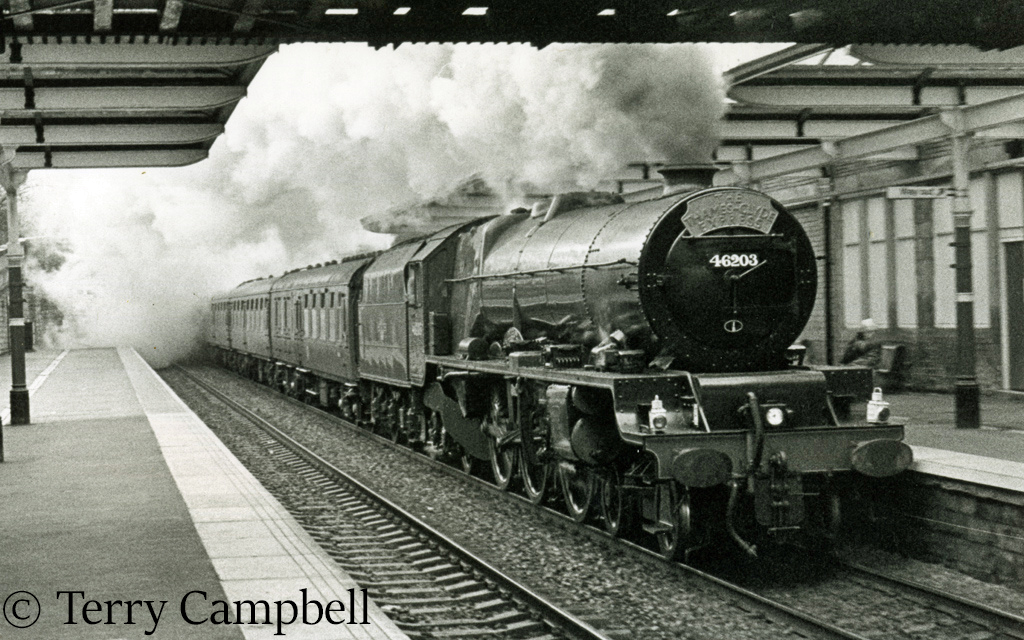 46203 Princess Margaret Rose at Bingley heading the north bound Thames Clyde Express - 1990s.jpg