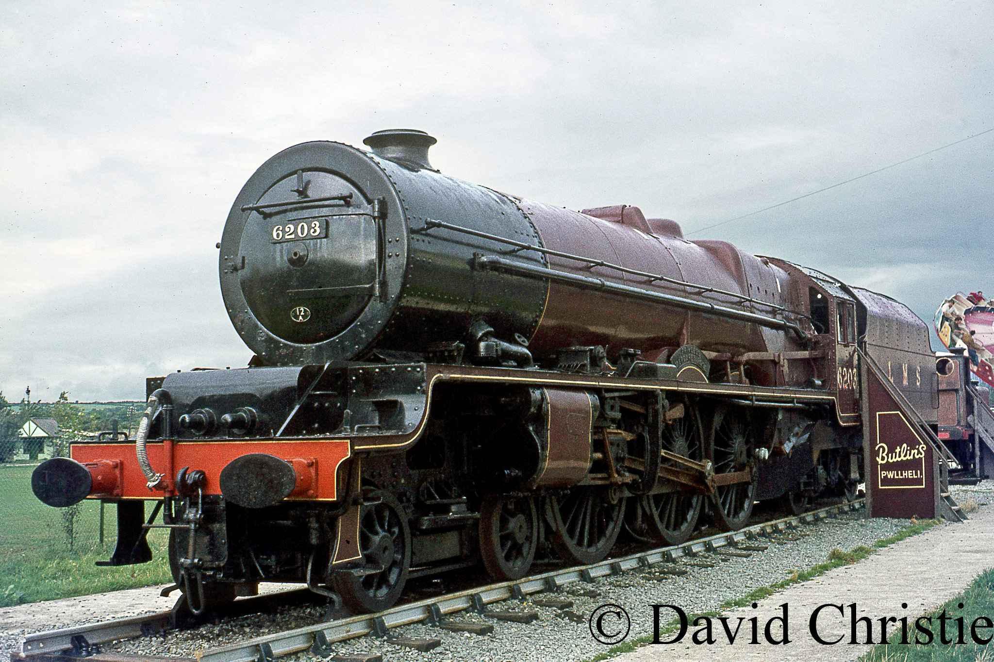 46203 Princess Margaret Rose at Butlins at Pwlhelli - September 1969.jpg