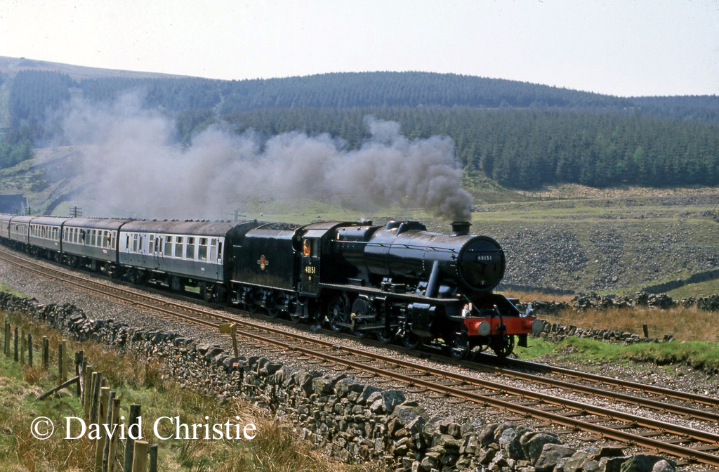 48151 just after leaving Dent Head Tunnel - May 1989.jpg