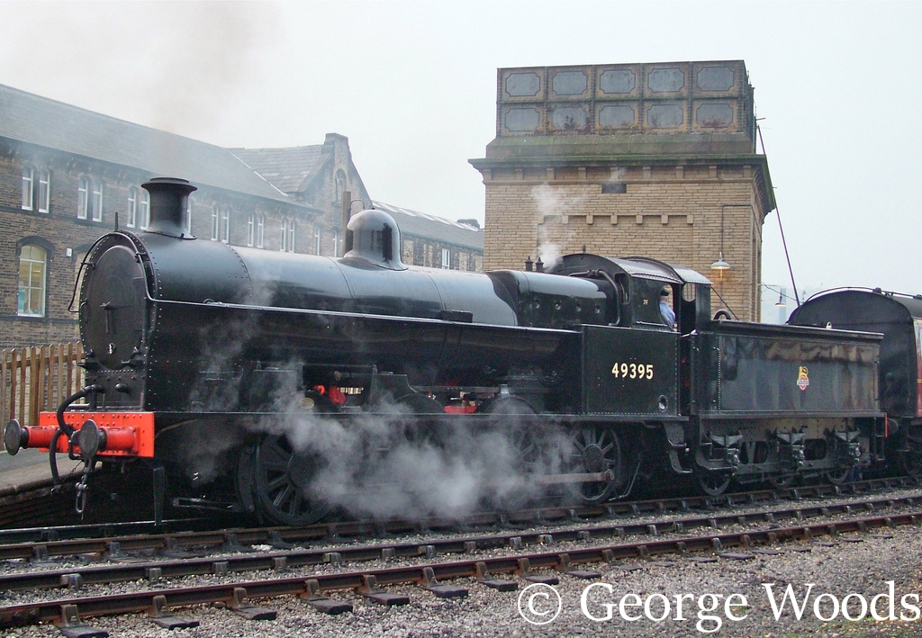 49395 at Keighley on the KWVR - October 2005.jpg
