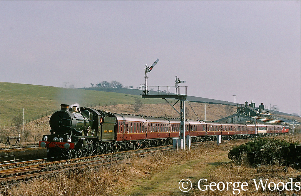 5029 Nunney Castle at Hellifield - February 1994.jpg