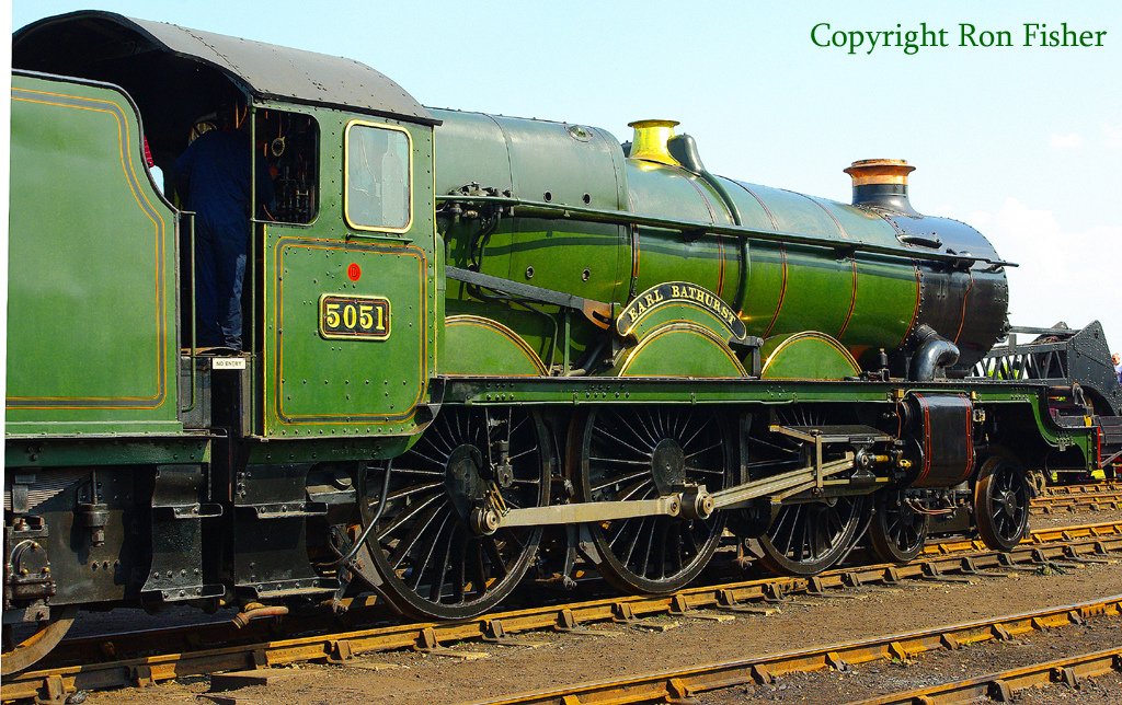 5051 Earl Bathhurst at the Didcot Railway Centre - April 2011.jpg