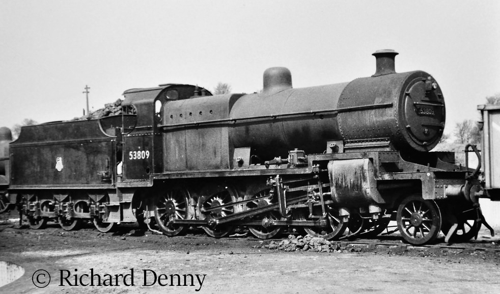 53809 on Templecombe shed.jpg