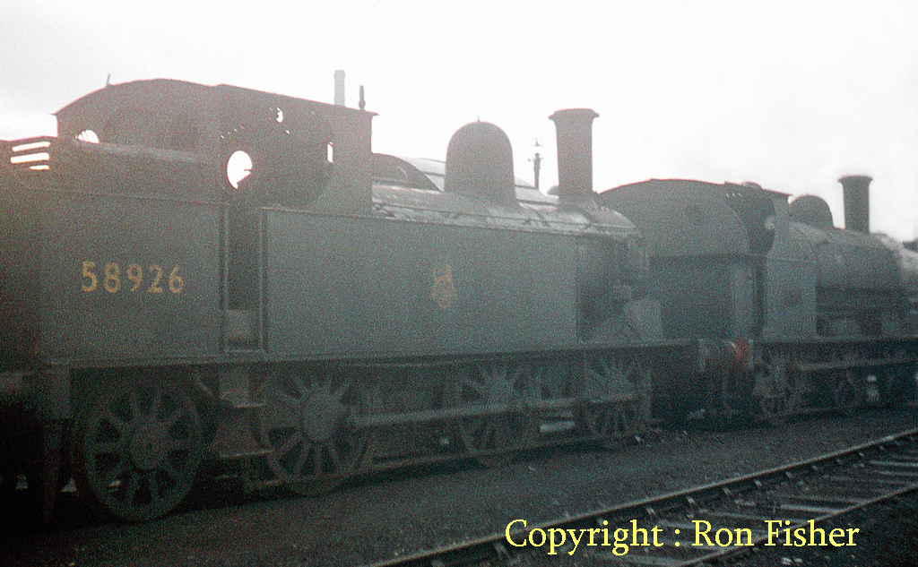 58926 at Crewe Works  November 1959.jpg