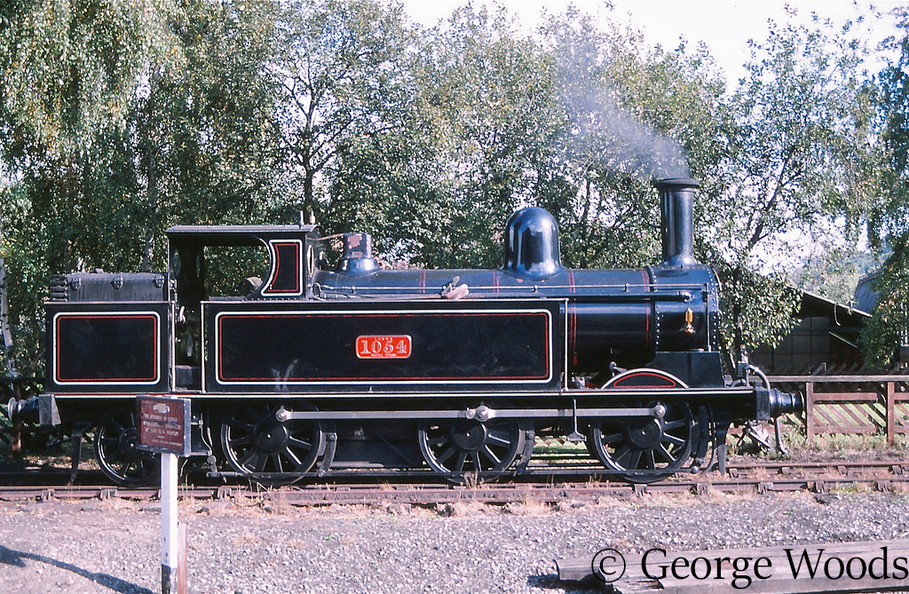 58926 at Keighley on the KWVR - October 1997.jpg
