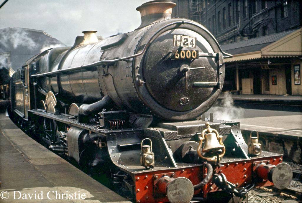 6000 King George V at Paddington - September 1962.jpg