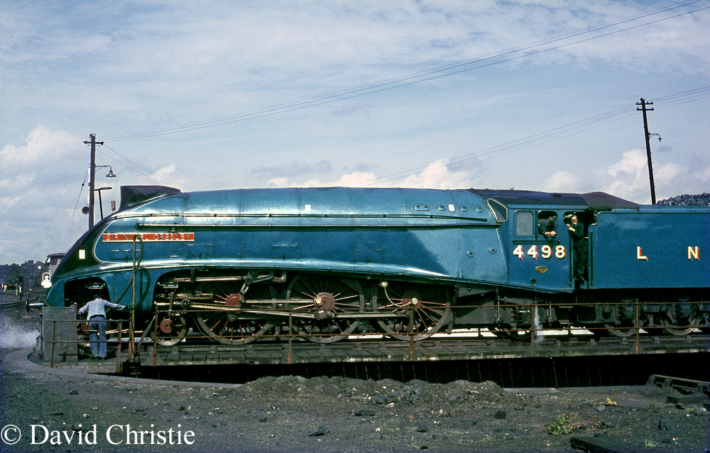 60007 Sir Nigel Gresley at Carlisle Kingmoor - August 1967.jpg