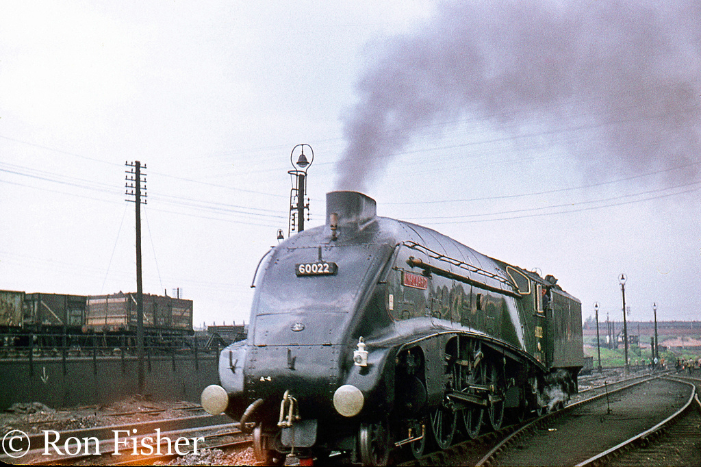 60022 Mallard at Doncaster - June 1961.jpg