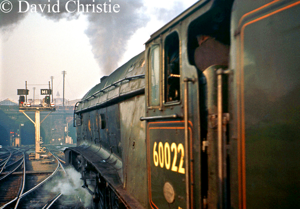 60022 Mallard at Kings Cross - March 1962.jpg
