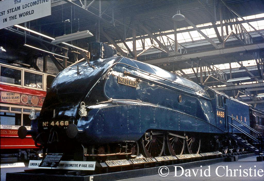 60022 Mallard in Clapham Museum - November 1968.jpg