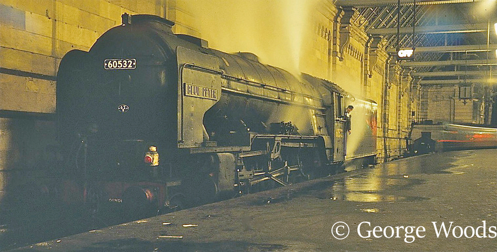 60532 Blue Peter at Glasgow Central - April 1966.jpg