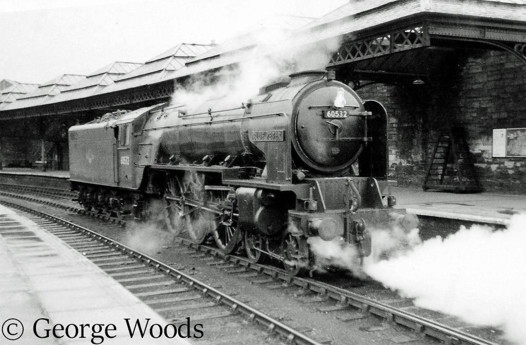 60532 Blue Peter at Perth - June 1965.jpg