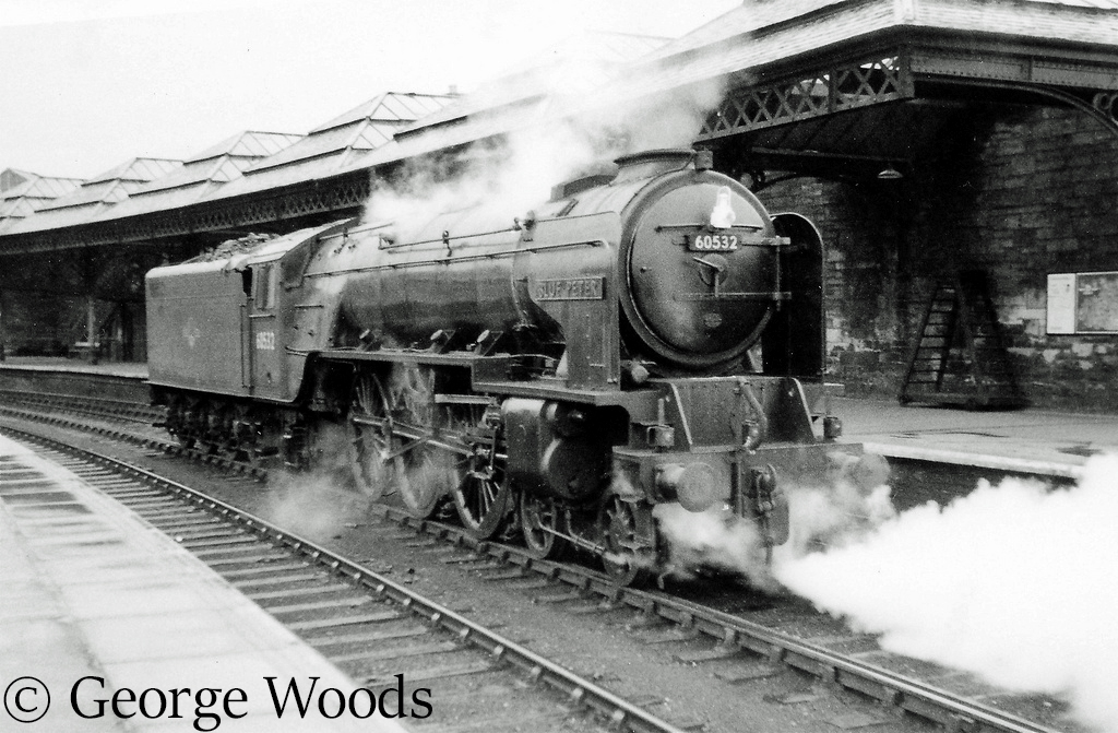 60532 Blue Peter at Perth - June 1965.jpg