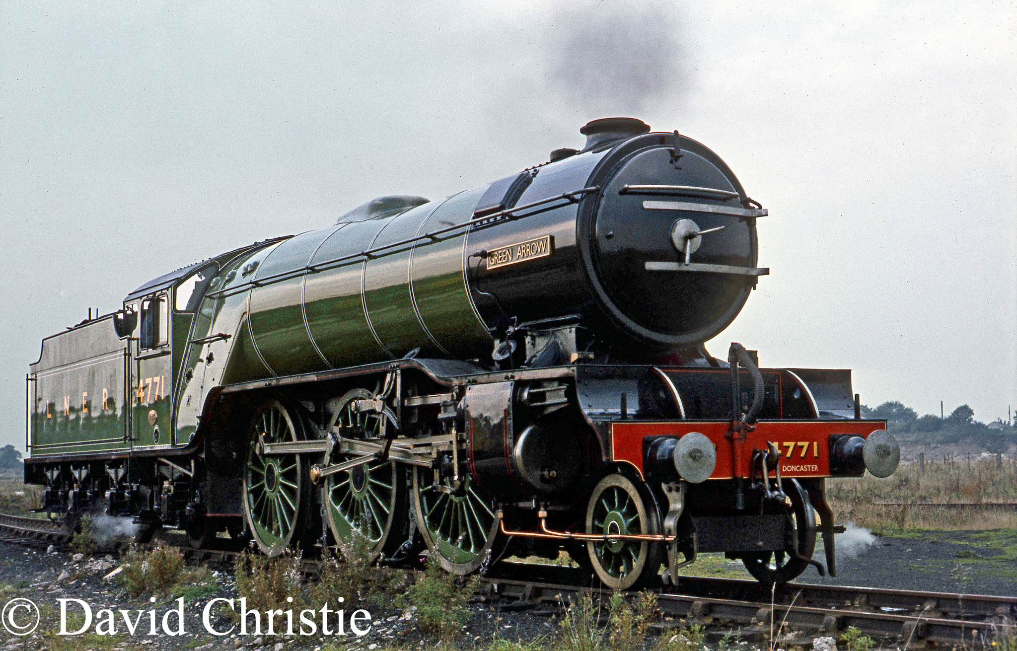 60800 Green arrow at Carnforth - October 1973.jpg