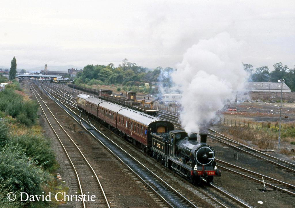 65243 Maude leaving Perth - September 1986.jpg