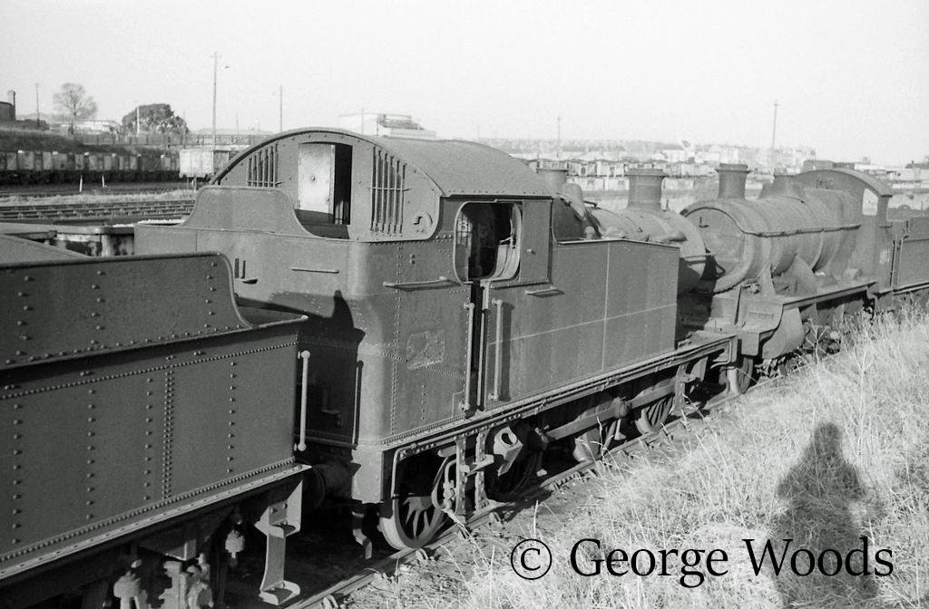 6634 in Woodham's scrapyard at Barry March 1965.jpg